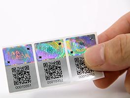 Autocollant d'hologramme de code Qr utilisé une fois avec le numéro de série